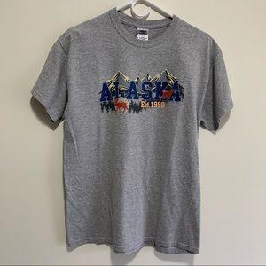 Gildan Alaska ESt 1959 Spell Out Graphic Minimalist 100% Cotton Tee Shirt